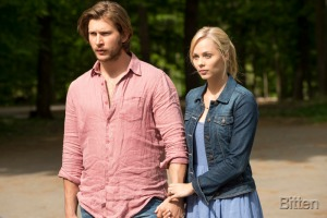 Greyston Holt as Clay Danvers and Laura Vandervoort as Elena Michaels
