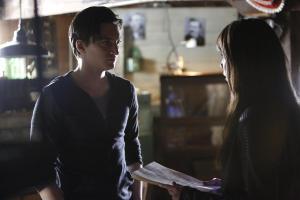 Julian (Richard Harmon) and Sonya (Lexa Doig) meet