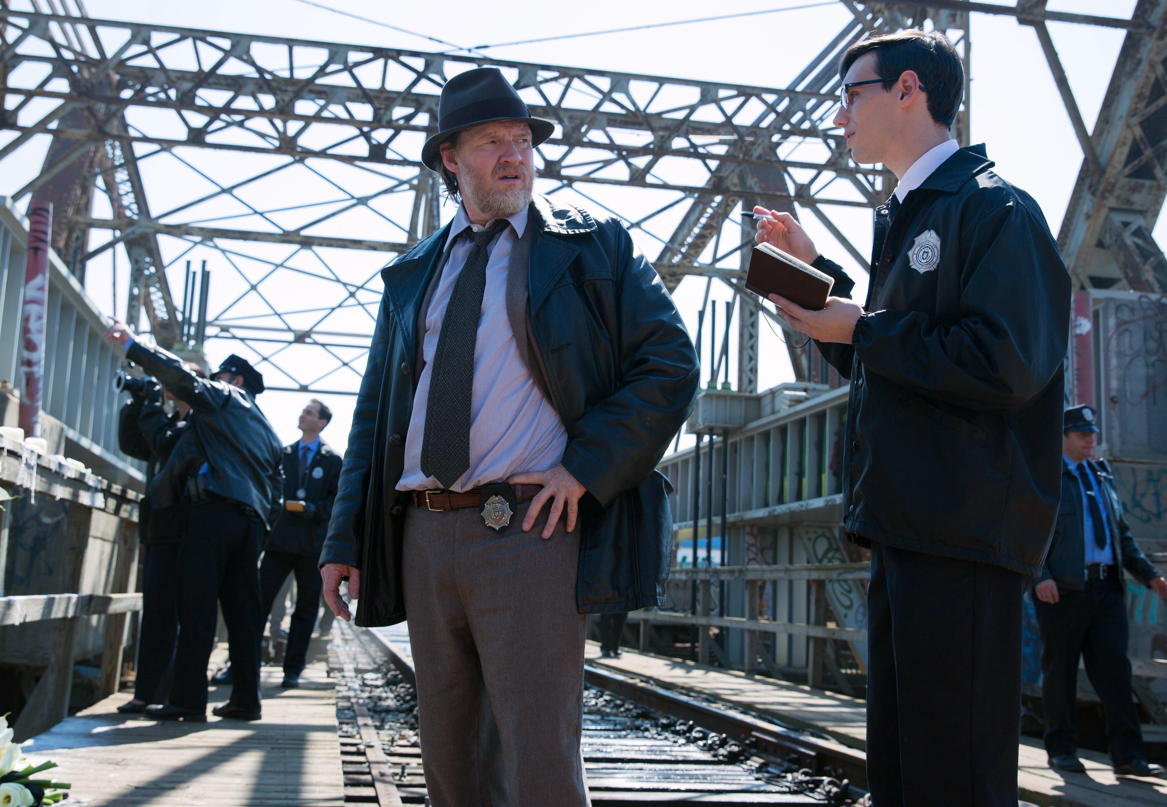 Gotham_106_RailRoadBridge_8355r_16570b76