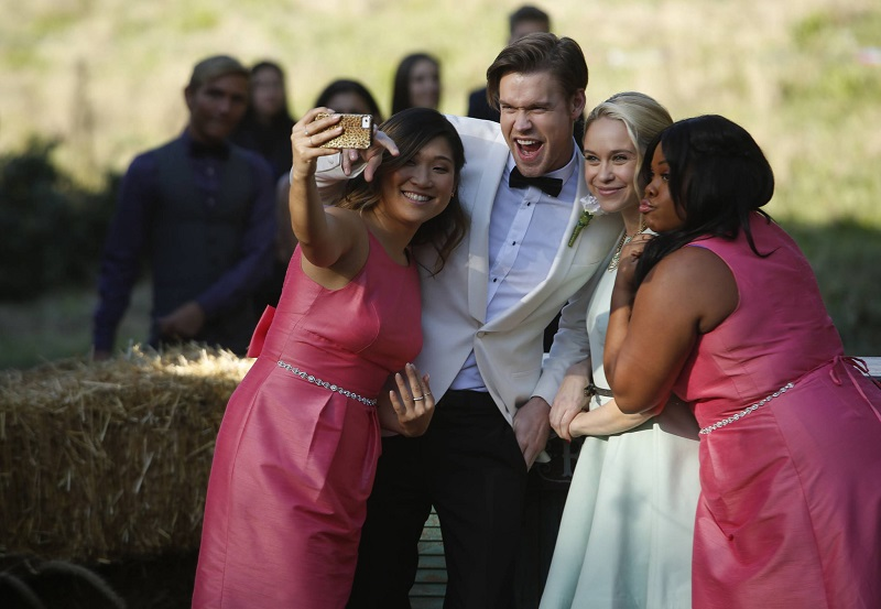 608GLEE_Ep608-Sc12_004_f_hires1