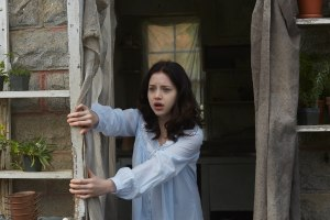 Kiara Glasco as Savannah