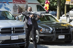 "The Flash -- ""The Man Who Saved Central City"" -- Image FLA201a_0294b -- Pictured: Jesse L. Martin as Detective Joe West -- Photo: Cate Cameron /The CW -- © 2015 The CW Network, LLC. All rights reserved"