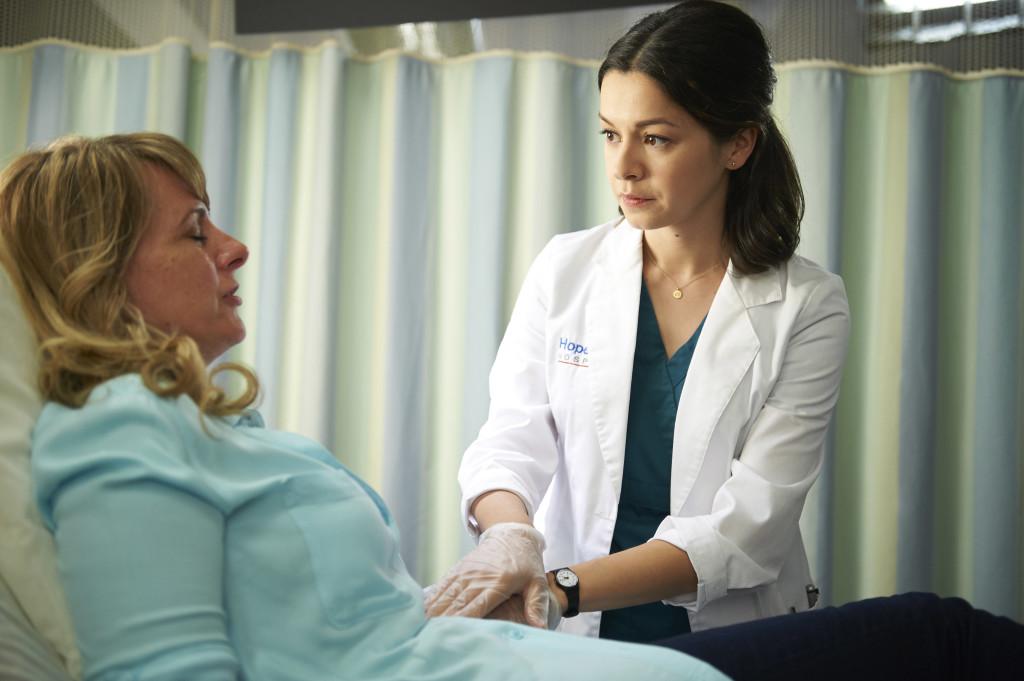 Julia-Taylor-Ross-as-Dr-Maggie-Lin-SAVING-HOPE-Episode-401-1024×681