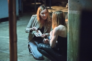 "Arrow -- ""Beyond Redemption"" -- Image AR405B_0062b.jpg -- Pictured (L-R): Katie Cassidy as Laurel Lance and Caity Lotz as Sara Lance -- Photo: Dean Buscher/ The CW -- © 2015 The CW Network, LLC. All Rights Reserved."