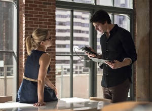 "Arrow -- ""Brotherhood"" -- Image AR407A_0142b.jpg -- Pictured (L-R): Emily Bett Rickards as Felicity Smoak and Brandon Routh as Ray Palmer -- Photo: Dean Buscher/The CW -- © 2015 The CW Network, LLC. All Rights Reserved."
