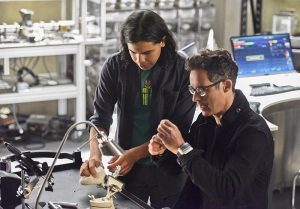 "The Flash -- ""Enter Zoom"" -- Image FLA206B_0019b.jpg -- Pictured (L-R): Carlos Valdes as Cisco Ramon and Tom Cavanagh as Harrison Wells -- Photo: Dean Buscher/The CW -- © 2015 The CW Network, LLC. All rights reserved."