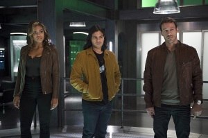 "The Flash -- ""Legends of Today"" -- Image FLA208A_0190b.jpg -- Pictured (L-R): Ciara Renee as Kendra Saunders, Carlos Valdes as Cisco Ramon and Falk Hentschel as Carter Hall -- Photo: Diyah Pera/The CW -- © 2015 The CW Network, LLC. All rights reserved."