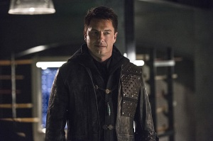 "The Flash -- ""Legends of Today"" -- Image FLA208B_0203b.jpg -- Pictured: John Barrowman as Malcolm Merlyn -- Photo: Cate Cameron/The CW -- © 2015 The CW Network, LLC. All rights reserved."