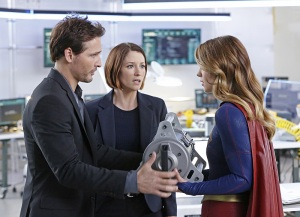 """How Does She Do It?"" -- Kara's two identities are stretched thin when Supergirl must protect National City from a series of bombings and Kara is tasked with babysitting Cat's son, Carter, on SUPERGIRL, Monday, Nov. 16 (8:00-9:00 PM, ET/PT) on the CBS Television Network. Pictured left to right: Peter Facinelli, Chyler Leigh and Melissa Benoist Photo: Robert Voets/Warner Bros. Entertainment Inc. © 2015 WBEI. All rights reserved."