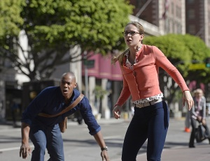 """Human For a Day"" -- Kara and her friends must rely on their inner strength and courage when an earthquake strikes National City, on SUPERGIRL, Monday, Dec. 7 (8:00-9:00 PM, ET/PT) on the CBS Television Network. Pictured left to right: Luke Macfarlane and Melissa Benoist Photo: Darren Michaels/Warner Bros. Entertainment Inc. © 2015 WBEI. All rights reserved."