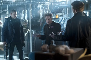 "The Flash -- ""Running to Stand Still"" -- Image: FLA209A_0027b.jpg -- Pictured (L-R): Wentworth Miller as Leonard Snart, Mark Hamill as James Jesse/Trickster and Liam McIntyre as Mark Mardon-- Photo: Cate Cameron/The CW -- © 2015 The CW Network, LLC. All rights reserved."
