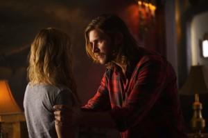 Laura Vandervoort as Elena Michaels and Greyston Holt as Clay Danvers