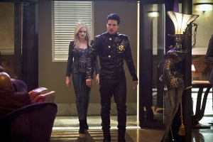 "The Flash -- ""Welcome to Earth-2"" -- Image FLA213b_0220b.jpg -- Pictured (L-R): Danielle Panabaker as Killer Frost and Robbie Amell as Deathstorm -- Photo: Diyah Pera/The CW -- © 2016 The CW Network, LLC. All rights reserved"