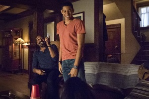 "The Flash -- ""King Shark"" -- Image FLA215a_0067b -- Pictured (L-R): Jesse L. Martin as Detective Joe West and Keiynan Lonsdale as Wally West -- Photo: Cate Cameron/The CW -- © 2016 The CW Network, LLC. All rights reserved."