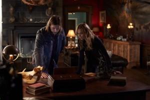 Greyston Holt as Clay Danvers and Laura Vandervoort as Elena Michaels