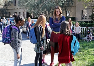 """Falling"" -- Kara turns on her friends and the citizens of National City after being exposed to Red Kryptonite makes her malicious and dangerous. Also, Cat appears on THE TALK to discuss Supergirl, on SUPERGIRL, Monday, March 14 (8:00-9:00 PM, ET/PT) on the CBS Television Network. Photo: Michael Yarish/CBS ©2016 CBS Broadcasting, Inc. All Rights Reserved"