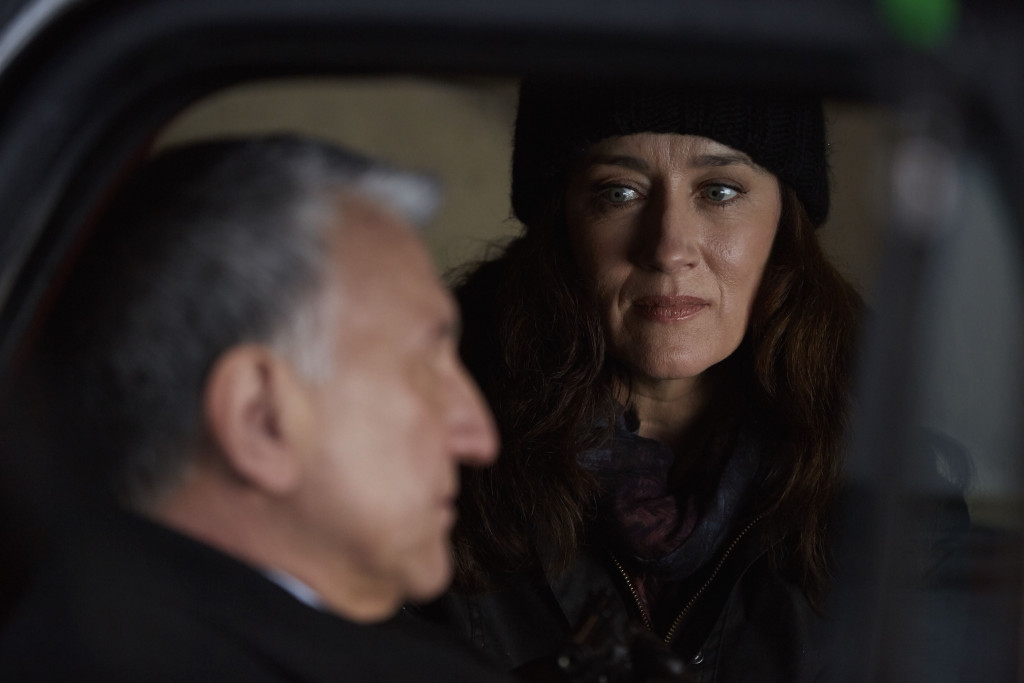 Dr. Van Lier (SCOTT WENTWORTH) and Mrs. S (MARIA DOYLE KENNEDY)