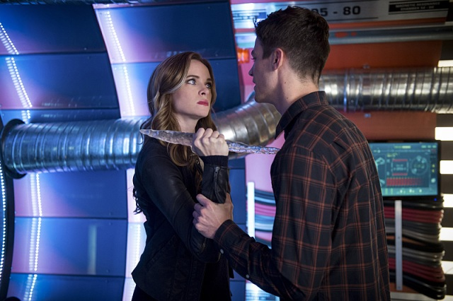 """The Flash -- """"Killer Frost"""" -- Image FLA307a_0086b.jpg -- Pictured (L-R): Danielle Panabaker as Caitlin Snow/Killer Frost and Grant Gustin as Barry Allen -- Photo: Diyah Pera/The CW -- © 2016 The CW Network, LLC. All rights reserved."""