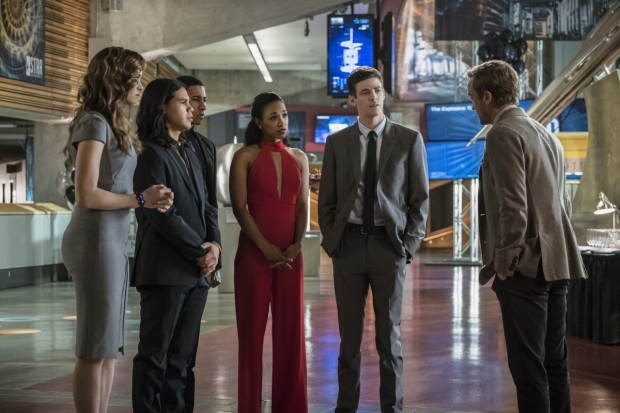 "The Flash -- ""Borrowing Problems from the Future"" -- Image FLA310b_0313b.jpg -- Pictured (L-R): Danielle Panabaker as Caitlin Snow,  Carlos Valdes as Cisco Ramon, Keiynan Lonsdale as Wally West, Candice Patton as Iris West, Grant Gustin as Barry Allen and Tom Felton as Julian Albert -- Photo: Katie Yu/The CW -- © 2016 The CW Network, LLC. All rights reserved."