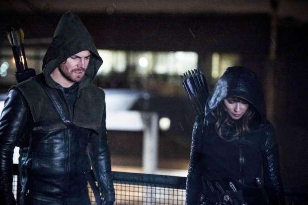 "Arrow -- ""Bratva"" -- Image AR512b_0251b.jpg -- Pictured (L-R): Stephen Amell as Oliver Queen/The Green Arrow and Lexa Doig as Talia Al-Ghul-- Photo: Cate Cameron/The CW -- © 2017 The CW Network, LLC. All Rights Reserved."