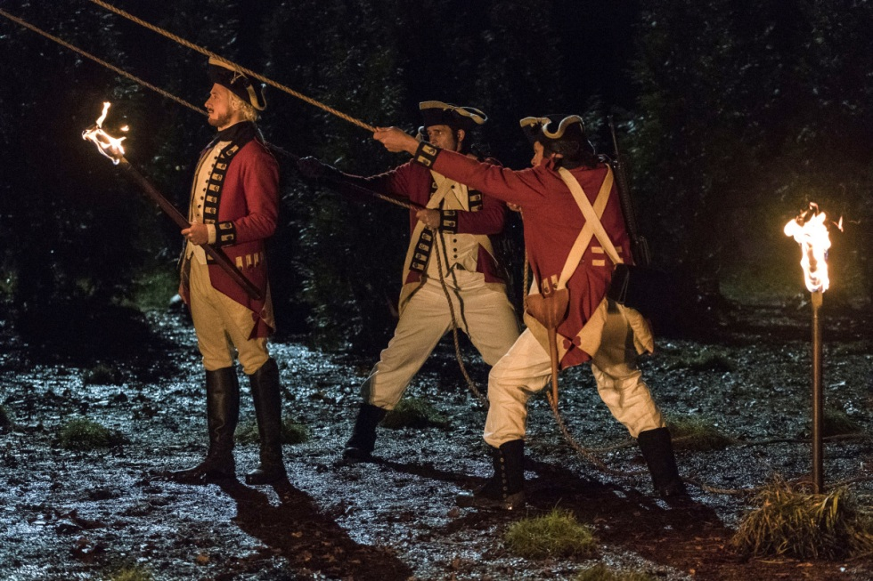 """DC's Legends of Tomorrow --""""Turncoat""""-- LGN211b_0179.jpg -- Pictured: Arthur Darvill as Rip Hunter -- Photo: Cate Cameron/The CW -- © 2017 The CW Network, LLC. All Rights Reserved"""