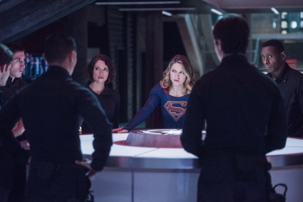 "Supergirl -- ""The Martian Chronicles"" -- Image SPG211a_0088 -- Pictured (L-R): Chyler Leigh as Alex Danvers, Melissa Benoist as Kara/Supergirl, and David Harewood as Hank Henshaw -- Photo: Dean Buscher/The CW -- © 2017 The CW Network, LLC. All Rights Reserved"