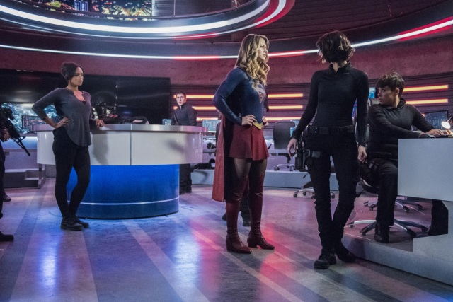 "Supergirl -- ""The Martian Chronicles"" -- Image SPG211a_0290 -- Pictured (L-R): Sharon Leal as Megan/M'Gann, Melissa Benoist as Kara/Supergirl, and Chyler Leigh as Alex Danvers -- Photo: Dean Buscher/The CW -- © 2017 The CW Network, LLC. All Rights Reserved"