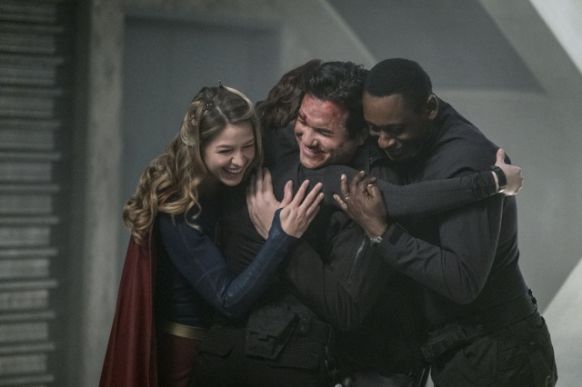 """Supergirl -- """"Homecoming"""" -- SPG214b_0024.jpg -- Pictured (L-R): Melissa Benoist as Kara/Supergirl, Chyler Leigh as Alex Danvers, Dean Cain as Jeremiah Danvers, and David Harewood as Hank Henshaw -- Photo: Cate Cameron/The CW -- © 2017 The CW Network, LLC. All Rights Reserved"""