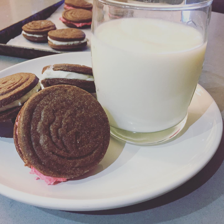 Sandwich cookie 1