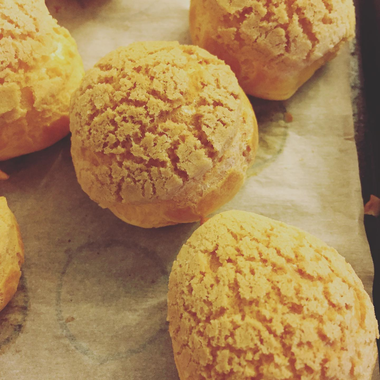 Choux with Craquelin